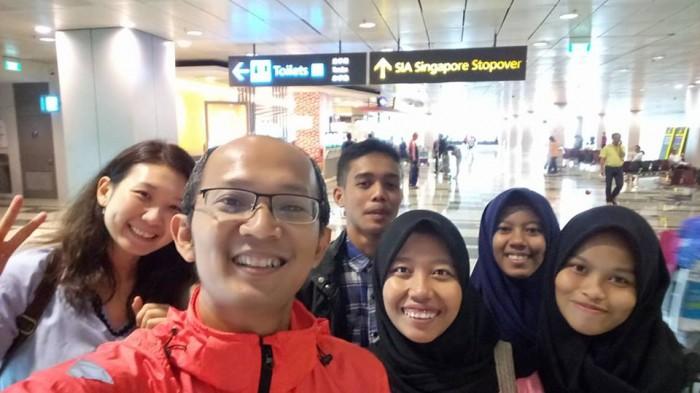4 anak asuh IBF visit ke Singapura